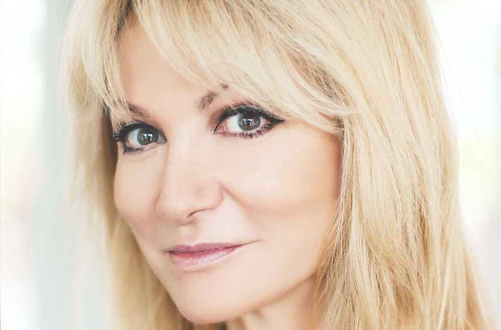 """""""I think the show has saved me"""" – soap star Debbie Arnold on her new Zoom-inspired hit"""